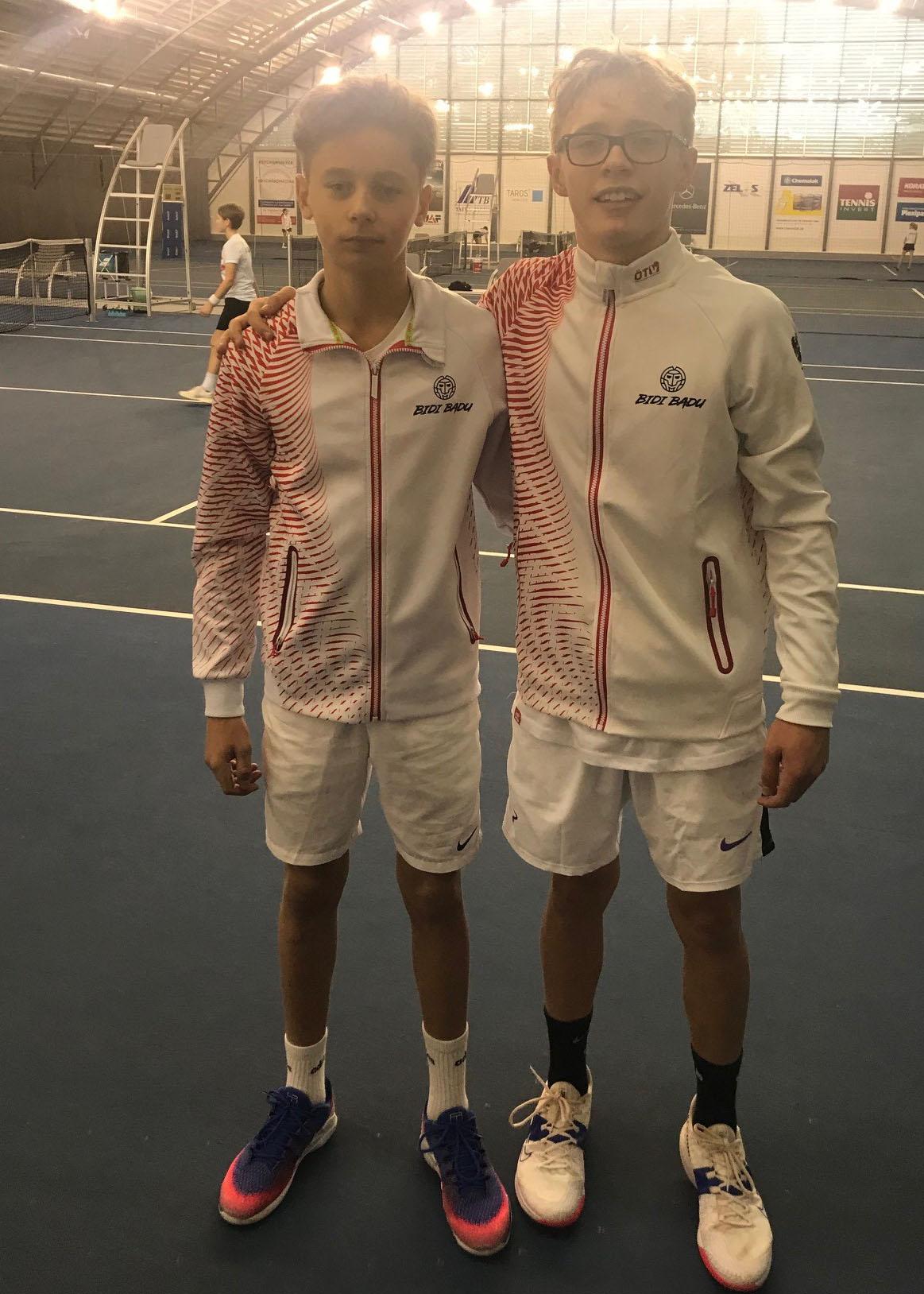 links Nico Hipfl, rechts Yanis Graski